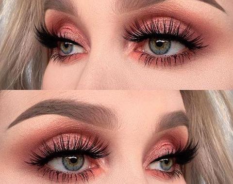 Apply Magnetic Eyelashes