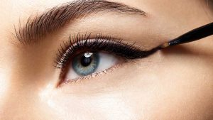How to Keep Your Eyeliner from Smudging