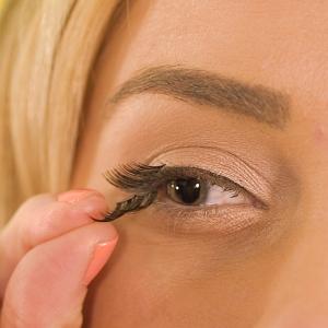 How to USe Magnetic Eyelashes