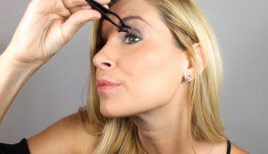 How to Use Magnetic Eyelashes Applicator