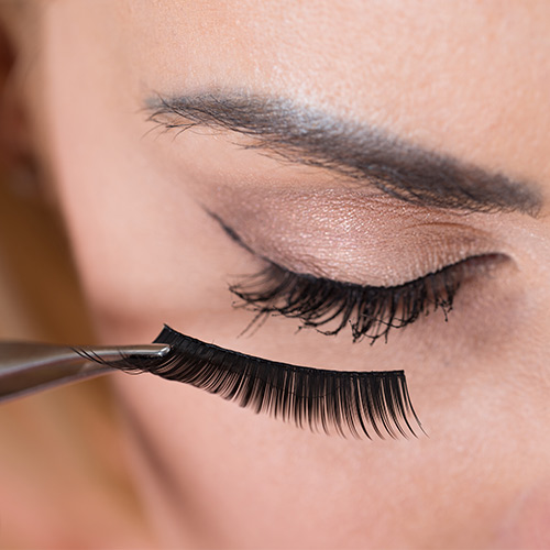 How to Wear Magnetic Eyelashes