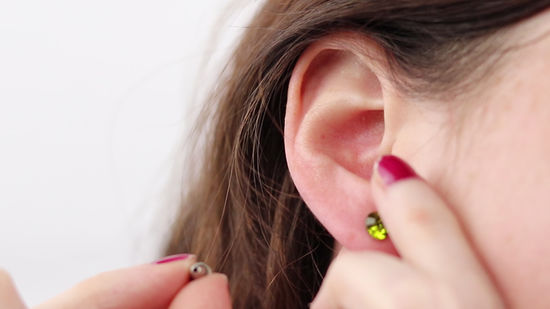 How to Take Out Earrings | Tips to Remove Earrings without Pain